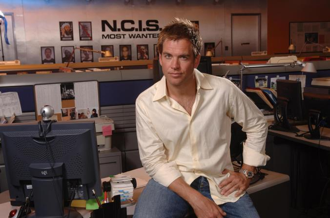 michael-weatherly-michael-weatherly-19985630-2560-1700